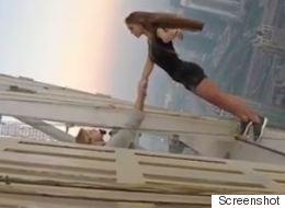 Το μοντέλο που κρεμάστηκε από ουρανοξύστη στο Ντουμπάι λέει πως θα έπρεπε να λάβει αποζημίωση
