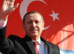 القرار بعد الاستفتاء.. تركيا تدرس ملفات 2000 أسرة سورية لمنحها الجنسية