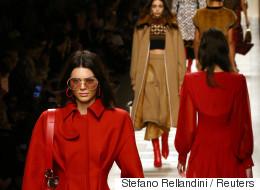 Élégance plus simple et naturelle, parfois délurée à la Semaine de mode de Milan