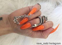 Les chaînes sur les ongles, pas pratique du tout