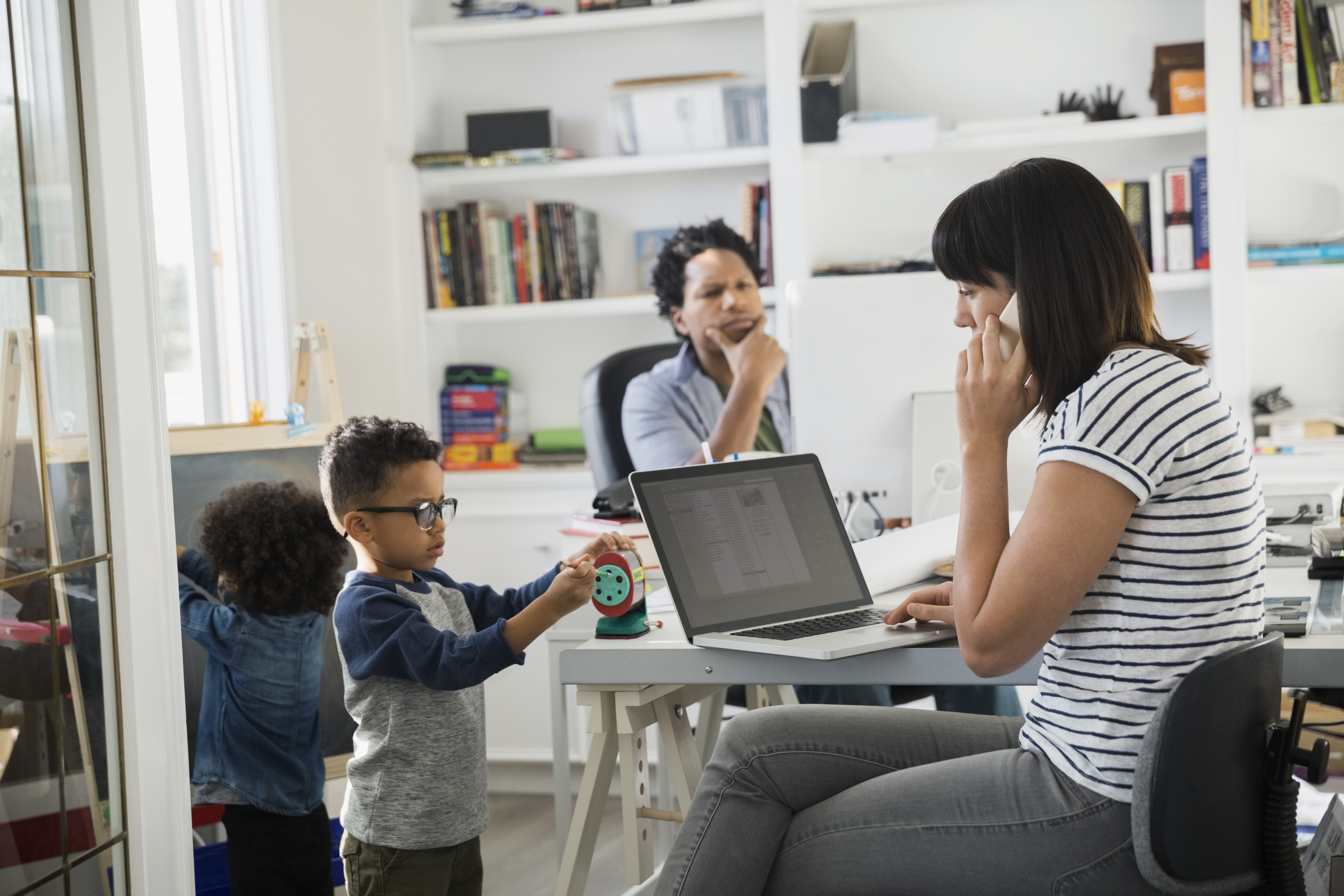 5 Hacks For Working Parents To Make Your Week More Productive