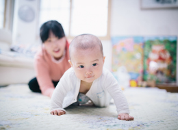 حتى قبل تعلُّمه النطق.. فقر الأسرة يؤثِّر على قدرات الطفل العقلية ونضجه: دراسة