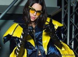 Kendall Jenner en doudoune futuriste dans une vidéo de Versace