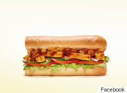 Des sandwichs de poulet Subway qui ont moins de 50 % de poulet