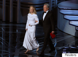 How The Wrong Best Picture Envelope Made It To The Oscars Stage