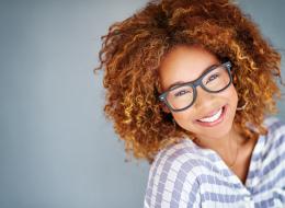الابتسامة تعادل تأثير تناول 2000 قطعة شوكولاتة.. وهذا هو التفسير العلمي