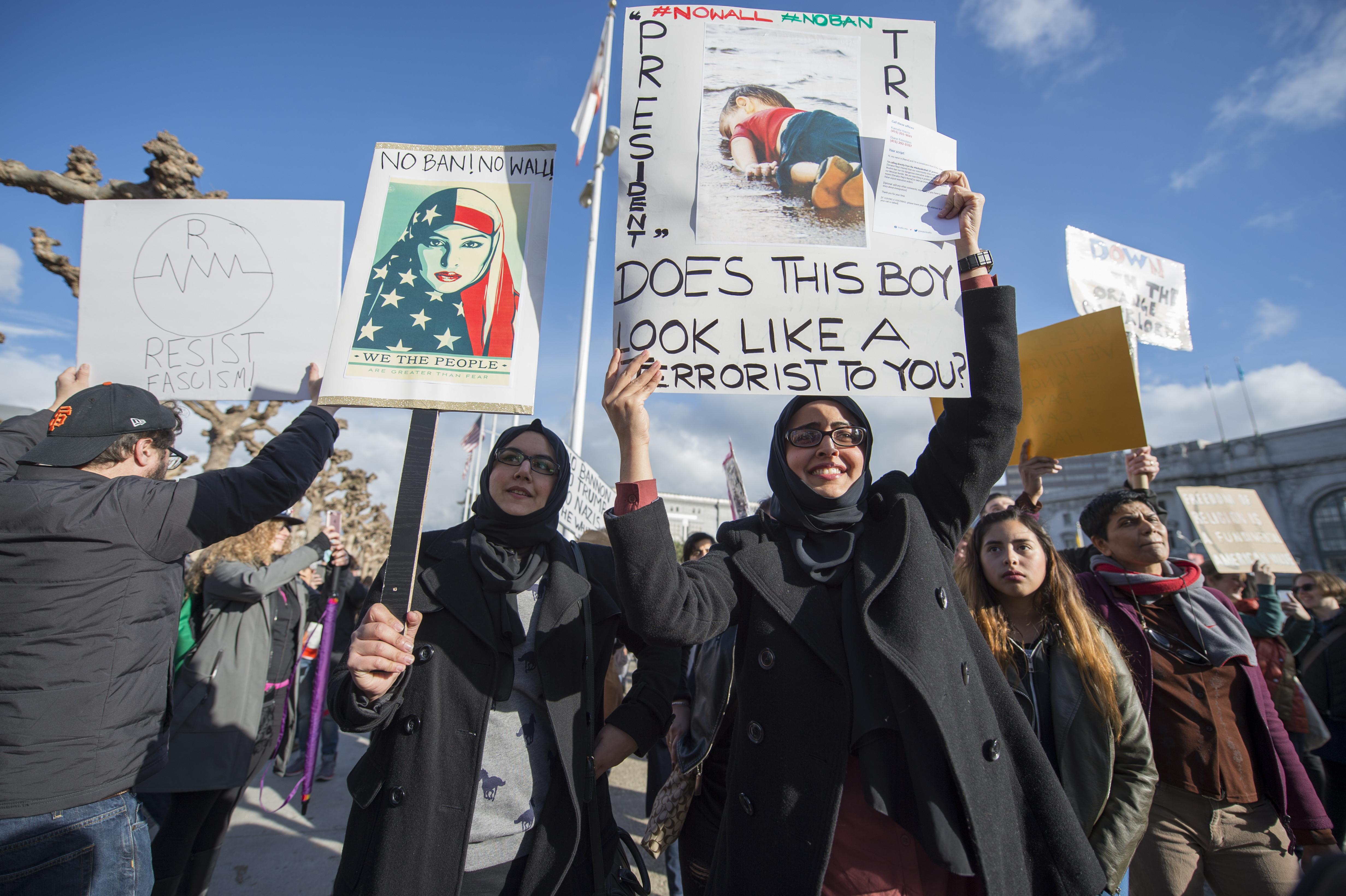 protest trump travel ban airport