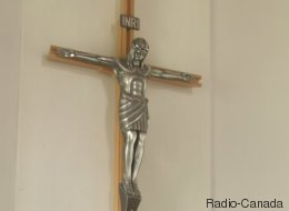 Crucifix à l'hôpital Saint-Sacrement: la direction change d'idée