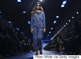 Semaine de mode Paris: Dior en bleu de travail