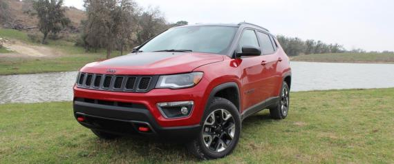 essai routier jeep compass 2017 pour ne pas perdre le nord. Black Bedroom Furniture Sets. Home Design Ideas