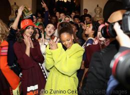 Rihanna sait comment remplir une bibliothèque