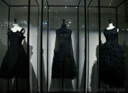 Les silhouettes aux noirs multiples chez Balenciaga