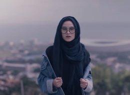 شاهد الفيديو الأول من نوعه.. مجموعة هيب هوب كندية تُطلق أغنية شاركت فيها 50 فتاة محجبة