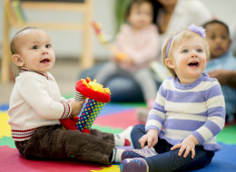 رياض الأطفال قبل عمر الثالثة تهدد مهارات ابنك العقلية.. هكذا يتأثر بغيابك عنه!