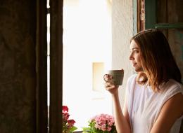 هل استيقظتِ بمزاج سيئ اليوم؟ 11 نصيحة للتخلص من الإحساس بالضيق