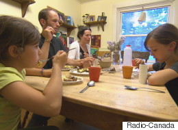 Cette famille réussit à atteindre l'autosuffisance alimentaire