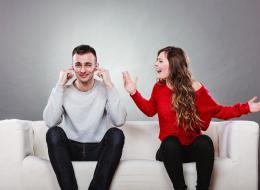 لا تعبثي بالصندوق الأسود للرجل.. 5 أسئلة لا توجهيها لزوجك حتى لا يهجرك