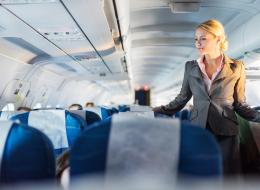 ضعف التذوق.. رائحة النفس الكريهة.. والإمساك.. اكتشف تأثير الطيران على جسدك