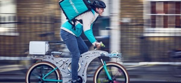 La bicicletta 'riciclata' costruita con utensili da cucina è tutto quello di cui avete bisogno