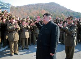 كوريا الشمالية تختبر محركاً صاروخياً جديداً.. ماذا قال كيم جونغ-أون الذي حضر