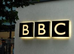 BBC تعتذر لجمهورها.. سؤال طرحته عليهم فأشعل الغضب