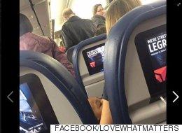 비행기에서 쫓겨날 뻔한 쌍둥이 엄마를 돕기 위해 한 여인이 3시간 넘게 아이를 봐줬다