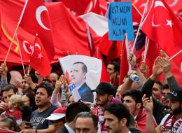 Erdogans-Anhänger glauben die ganze Welt sei neidisch auf die Türkei - die Wahrheit sieht ganz anders aus