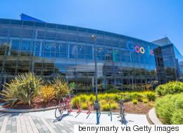 H Google απολογείται για την τοποθέτηση διαφημίσεων σε ρατσιστικά και ομοφοβικά βίντεο