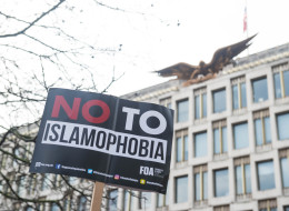 بريطانيا تضع خطة للحفاظ على نمط الحياة لديها بعد تزايد الكراهية ضد المسلمين.. هذه ملامحها