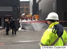 Une rue s'effondre en face du Centre Bell