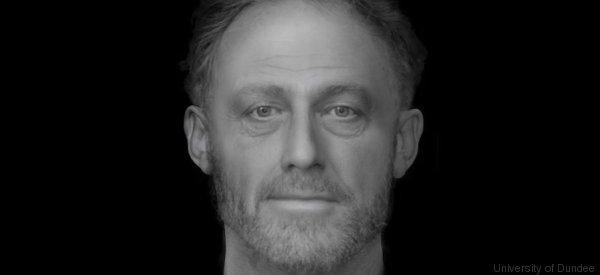 State guardando il volto di un uomo morto 700 anni fa