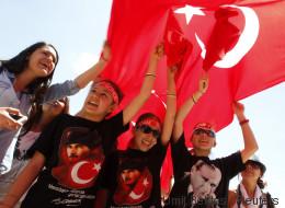 Erdogans größte Feinde sind säkulare Frauen und Jugendliche