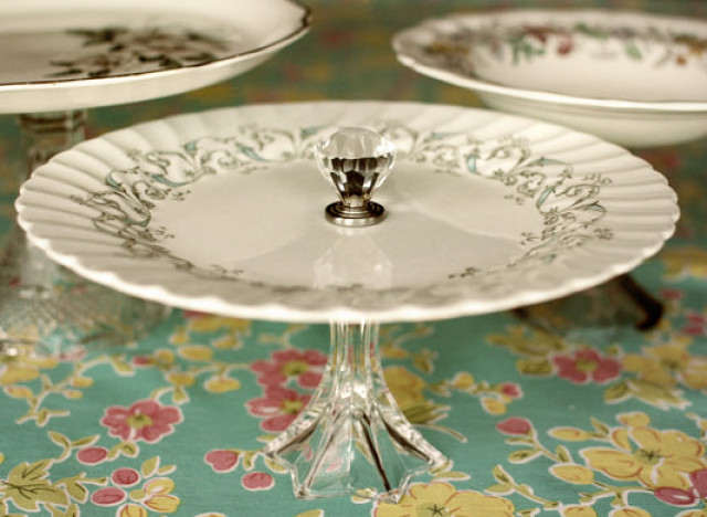 Photo by Christina Friedrichsen of Intimate Weddings & DIY Ideas: Adorable Cake Stands | HuffPost
