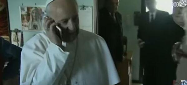 Il Papa telefona ancora. Questa volta alla signora Adele: