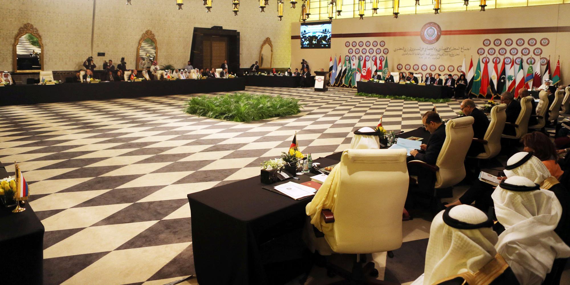 قمة تلطيف الأجواء في البحر الميت.. لماذا تقود السعودية ومصر  مبادرات التقارب الإجباري  في القمة العربية؟