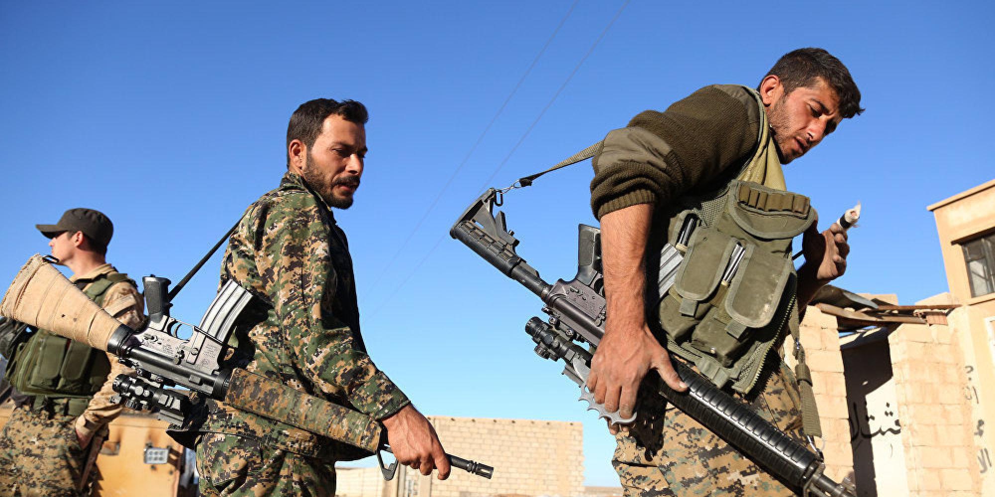 قوات سوريا الديموقراطية تسيطر على مطار الطبقة بعد معارك مع داعش