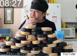 보기만 해도 목이 메는 12,000kcal '도넛 먹방'