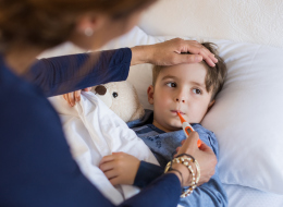 احتفِلا بكل مناسبة.. نصائح لكل أبوين يُعاني طفلهما مرضاً خطيراً