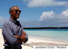 오바마는 지금 태평양의 섬에서 자서전을 쓰고 있다
