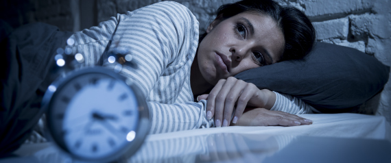 لا تنزعج ولا تحاول معرفة الوقت.. نصائح لمن يستيقظ منتصف الليل