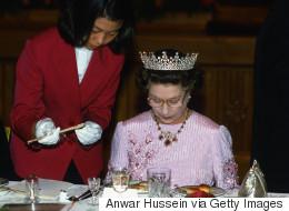 Κάτι θα ξέρει η βασίλισσα Ελισάβετ και δεν τρώει αυτά τα φαγητά