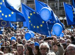 Putin, Brexit und Trump sei Dank - Europapolitik bewegt die Menschen endlich auf die Straßen