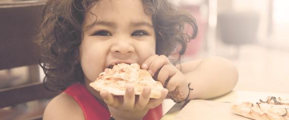 LITTLE KIDS EATING PIZZA
