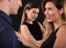 ماذا تعرف عن غيرة النساء؟.. المرتبطات بعلاقة عاطفية أكثر تذكُّراً لأوجه الأخريات