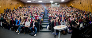 UNIVERSITAET STUDENTEN