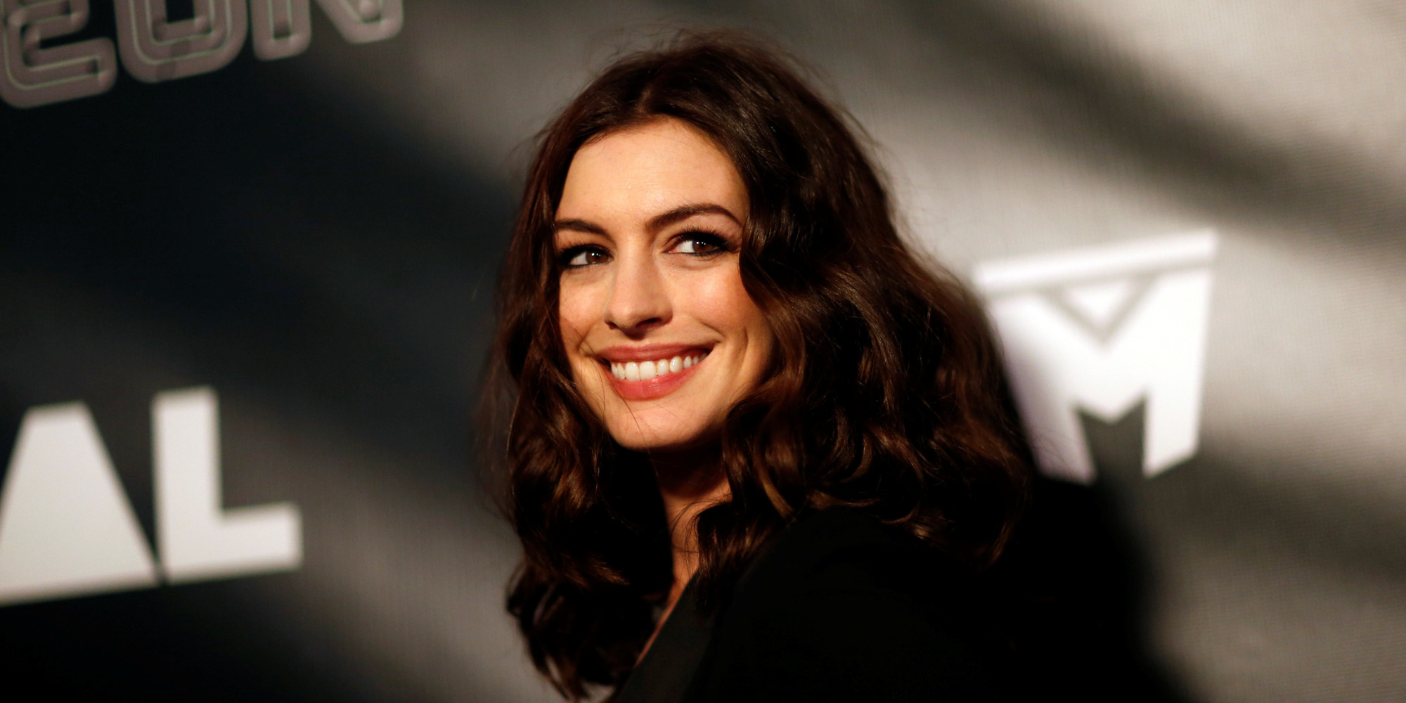 Why Anne Hathaway Won't Share Any More Photos Of Her Son Anne Hathaway Facebook