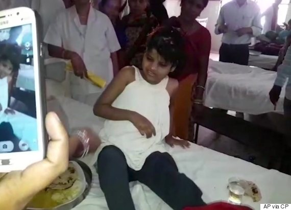 indian girl living with monkeys