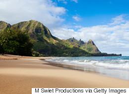 Cette vidéo montre le fléau qui se cache sur les plages d'Hawaï