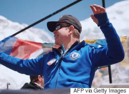 Découvrez les images du «rave» de Paul Oakenfold au pied de l'Everest
