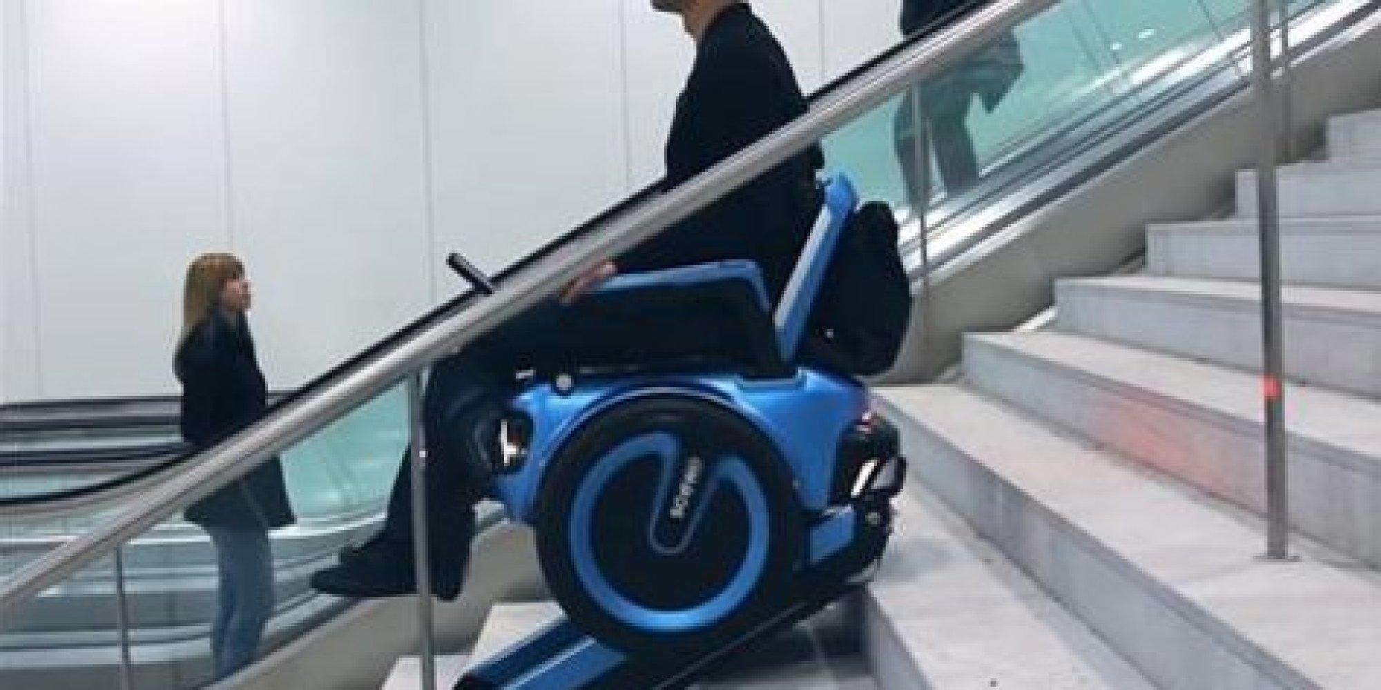 ce fauteuil roulant peut monter et descendre les marches. Black Bedroom Furniture Sets. Home Design Ideas